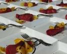 bresaola con patè di ceci, petali di Ranuncolo edule....